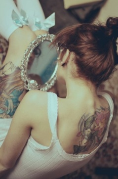 girl-with-a-back-tattoo